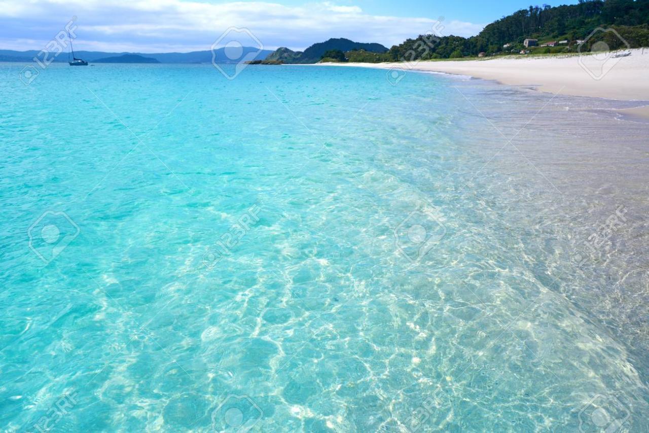 109663090-islas-cies-islands-rodas-beach-turquoise-near-vigo-of-galicia-spain.jpg