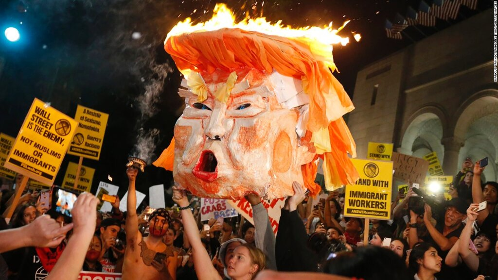 161110111858-03-trump-protests-1110-restricted-super-169[1].jpg