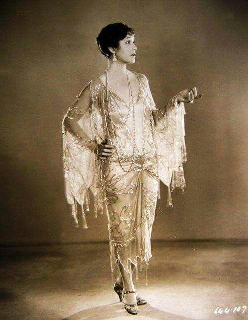 30e61e1e16ce02effbb00b3c861111ea--depeche-mode-fashion-vintage 1920.jpg