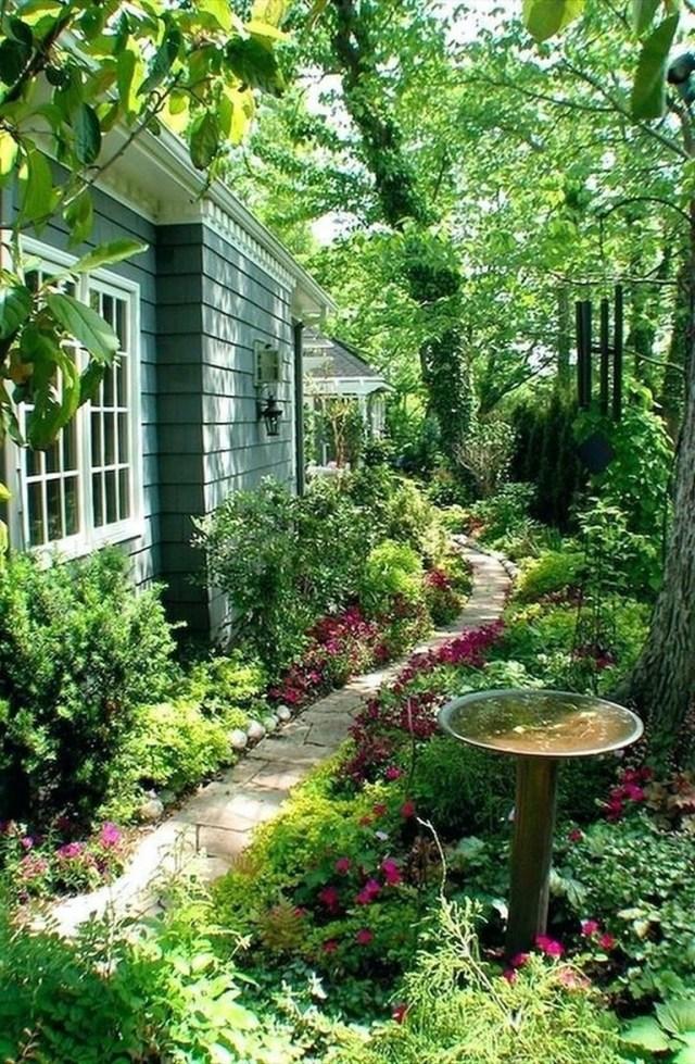 35-Incredible-Cheap-Garden-Path-and-Walkway-Ideas-2-1.jpg