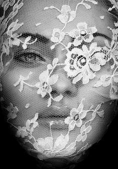 65876f541aec79c7df40453c95ff53bd--white-lace-black-and-white.jpg