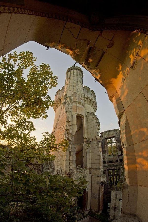 781121_zamak-dvorac-francuska_po-s.jpg