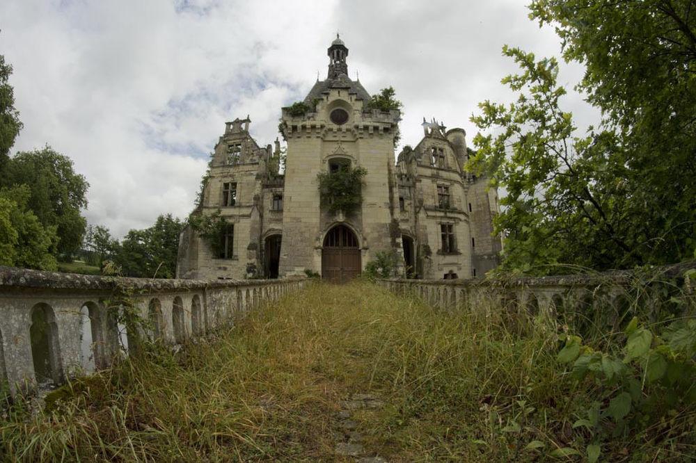781125_zamak-dvorac-francuska_ls.jpg