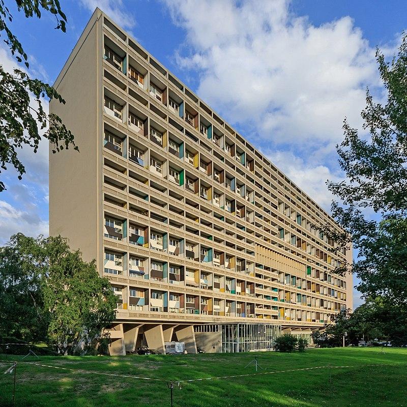 800px-Corbusierhaus_B-Westend_06-2017.jpg
