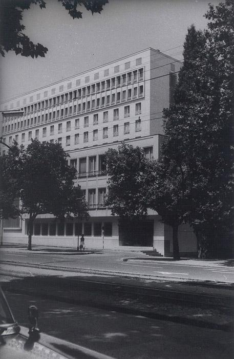 800px-Hotel_Metropol,_oko_1950._godine.jpg