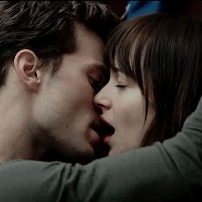 a7760d31de8b1dd136c7b1647e2113e8ef-11-fifty-shades-of-grey-01.rsquare.w700[1].jpg
