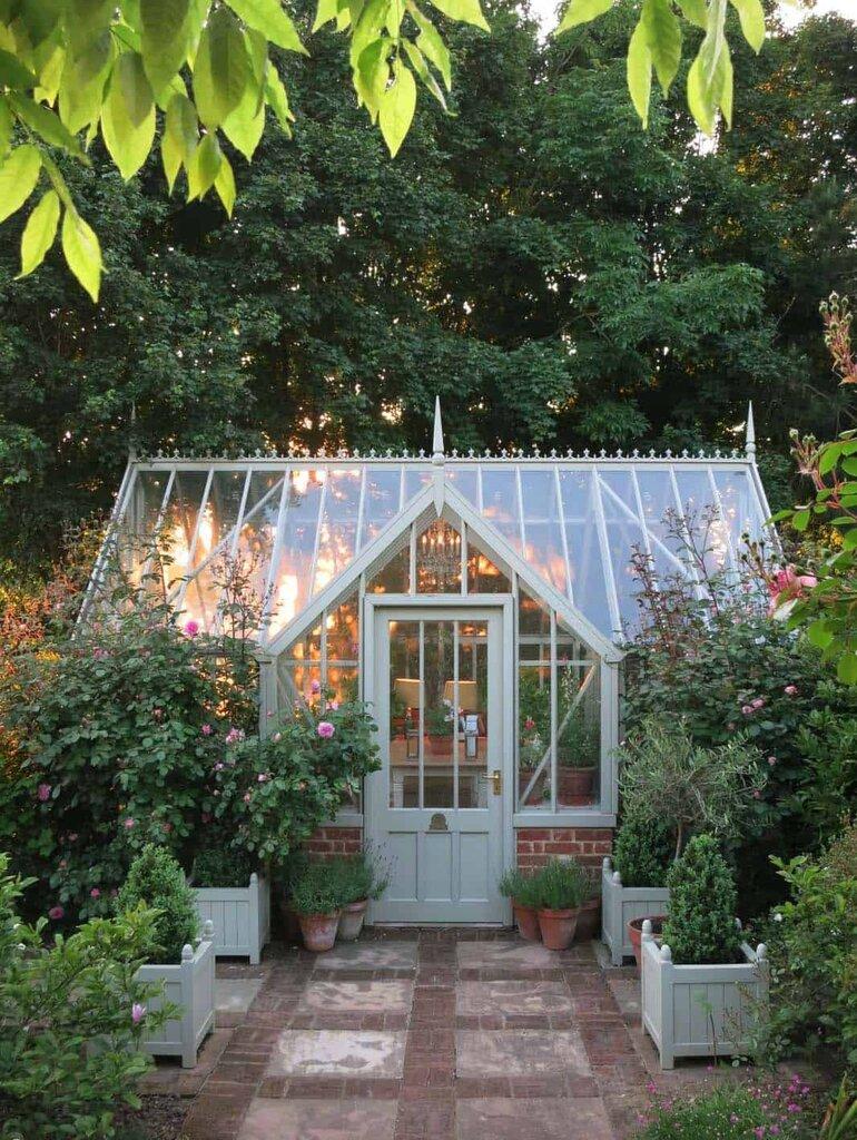 Amazing-Conservatory-Greenhouse-Ideas-11-1-Kindesign.jpg