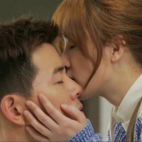 Angel-kiss-Kissing-on-eyelids.jpg