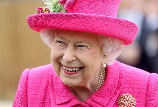 article_Cricket_Queen.jpg