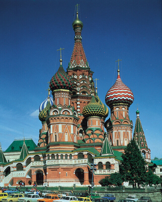 Cathedral-of-St-Basil-the-Blessed-Moscow[1].jpg