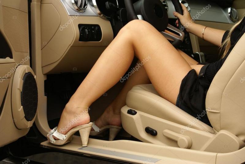 depositphotos_14986145-stock-photo-sexy-legs-in-.jpg