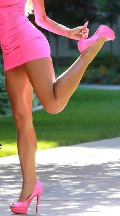 e2d67ac4194e9885df4b82242efcb3eb--hot-pink-heels.jpg