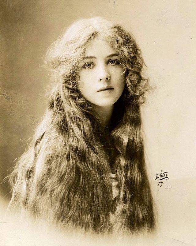 e5ecba9a8668cb4609feb965d6ed5874 Broadway Actress Ione Bright c.1912.jpg