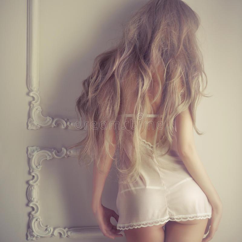 fashion-art-photo-young-sensual-lady-classical-interior-29746493.jpg