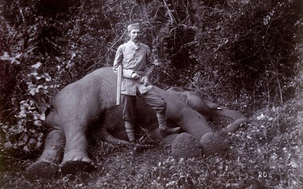 Franz_Ferdinand_von_Osterreich-Este_auf_Elefantenjagd_1893.jpg