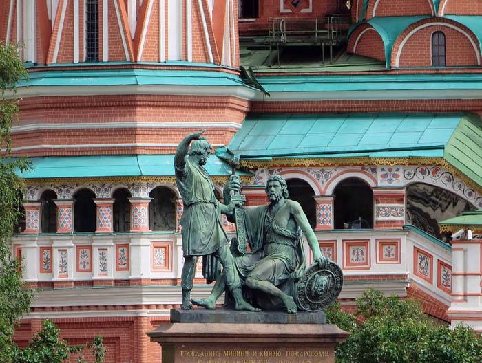 hram-svetog-vasilija-blazenog-6-830x0.jpg