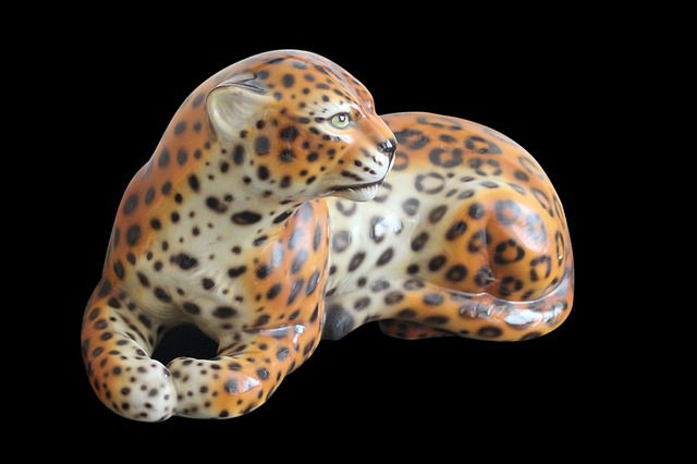 kič-porcelanska-figura.jpg