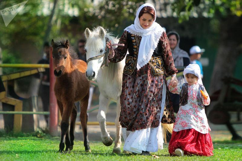 коњи људи.jpg