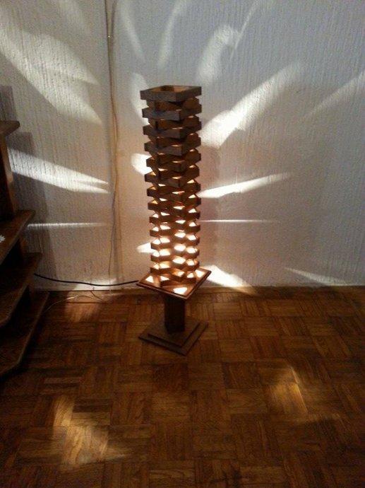 lampa-drveta-slika-52171131.jpg