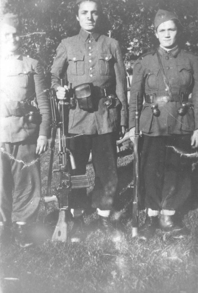 milja-i-rosa-zlokapa-zarobljene-u-ofanzivi-na-kozari-1942.-godine.-posle-bekstva-prikljuc48dil...jpg