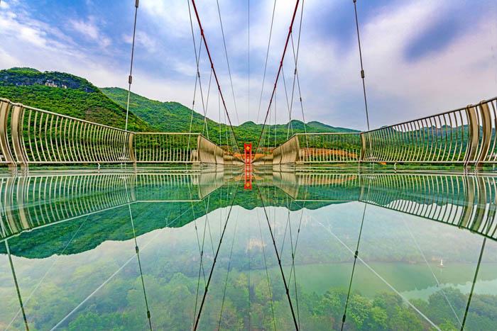 Najduži stakleni most na svetu (7).jpg