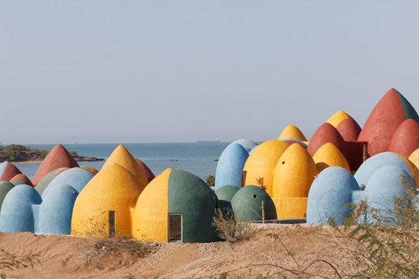 Prisustvo-u-Hormozu-ZAV-Architects-ostrvski-rezidencijalni-kompleks-šarene-kućice-Iran-ostrvsk...jpg