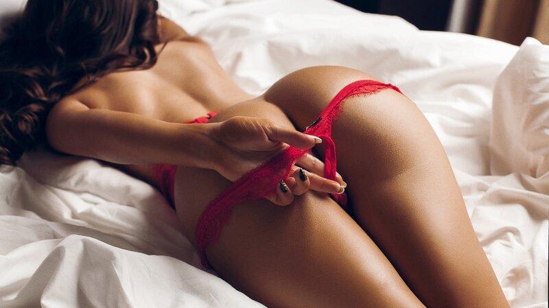 red-panties-on-round-ass-1280x720.jpg