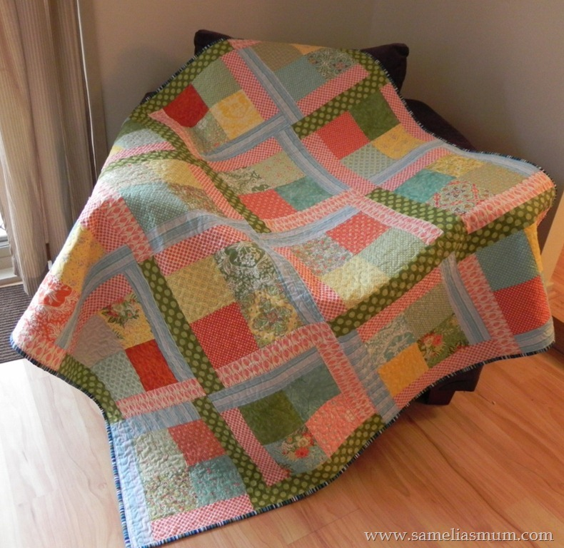 Scrappy_Flora_Easy_Quilt_Tutorial_Extra_Large800.jpg