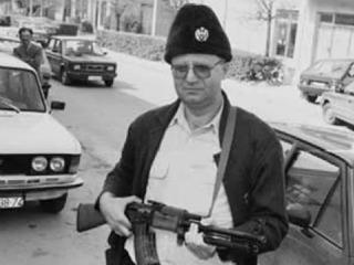 seselj-with-a-rifle-photo-by-youtube-printscreen.jpg