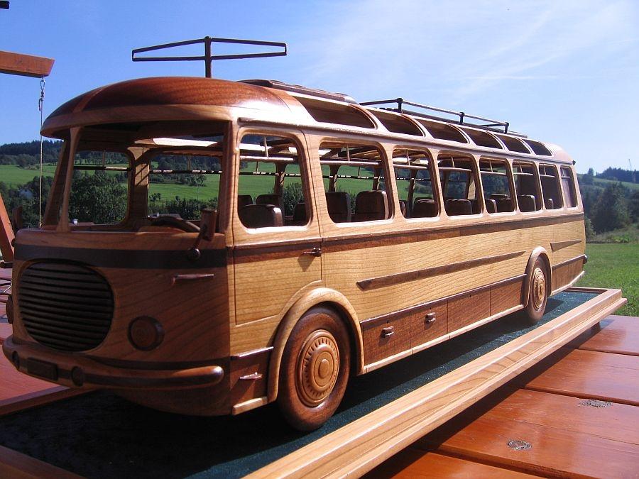 SKODAbus-replica-model.jpg